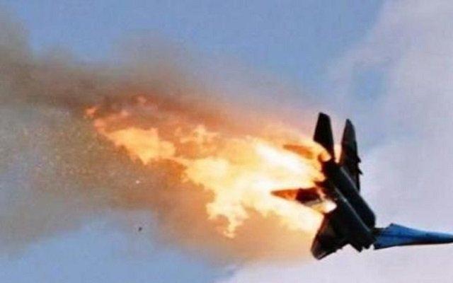 إسرائيل أسقطت طائرة حربية سورية وأنباء عن مقتل قائدها