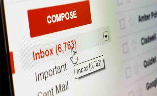 إضافة إلى الروبوت، بعض التطبيقات تستعين بالإنسان أيضا لفحص رسائلك البريدية جميل