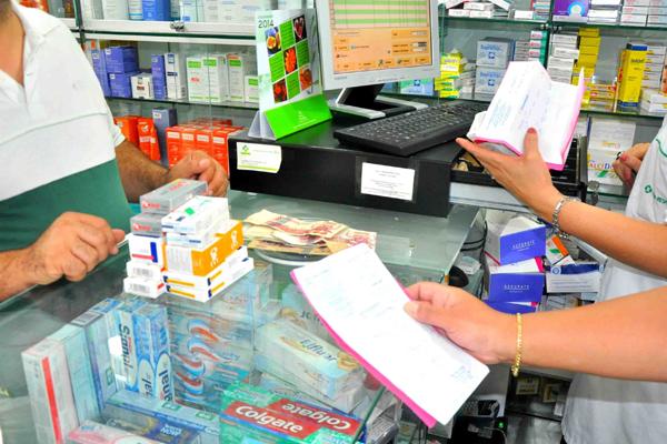 التماس تشديد العقوبة على صيدلية و خطيبها لمتاجرتهما في المؤترات العقلية بوهران