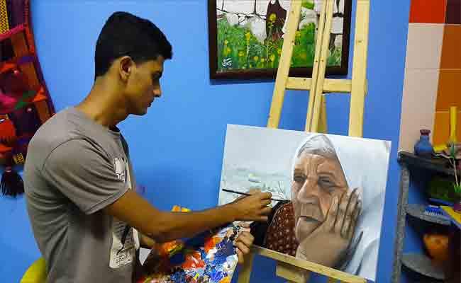 فنان تشكيلي فلسطيني يبعث رسالة حب من غزة الى سيرتا