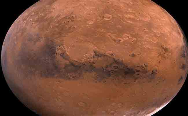 الحياة على مارس: يعتقد المراقبون أنهم عثروا على مياه جوفية بالكوكب الأحمر