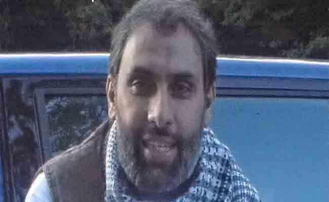 سلطات الجزائر تتسلم  جمال بغال المحكوم غيابيا بـ20 سنة من السلطات الفرنسية