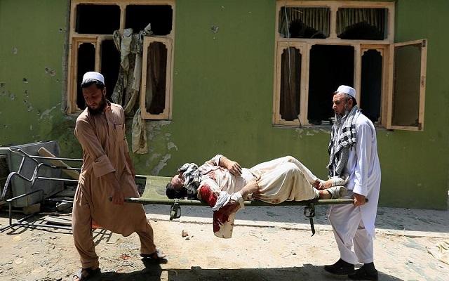 عشرات القتلى في هجوم انتحاري على مسجد