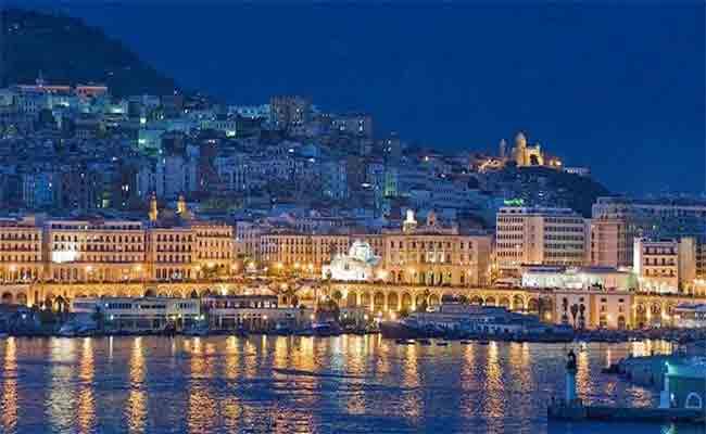 نجوم الأغنية الجزائرية يختتمون فعاليات القافلة الفنية