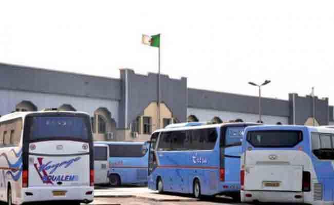 أمن العاصمة ينظم حملة تحسيسية لتوعية سائقي المسافات الطويلة لتفادي الحوادث