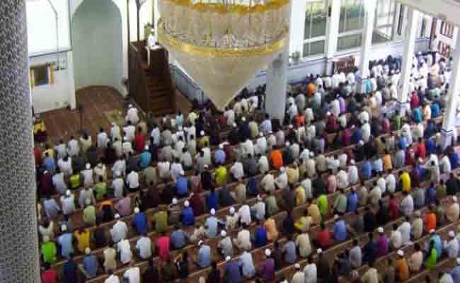 خطبة العيد تدعو إلى الحفاظ على الجزائر وسيادتها وقيمها وهويتها