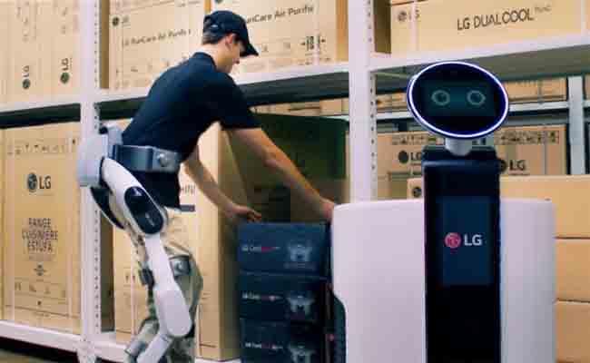 إل جي ستعرض هيكل خارجي روبوتي خلال معرض برلين