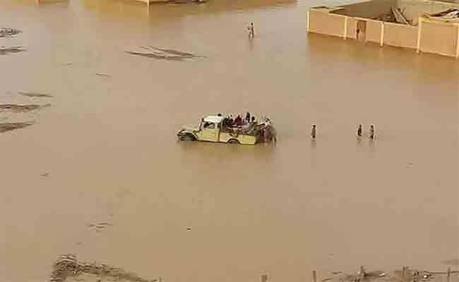 لجنة وزارية مشتركة تعاين حجم الخسائر التي خلفتها الأمطار الغزيرة بعين قزام