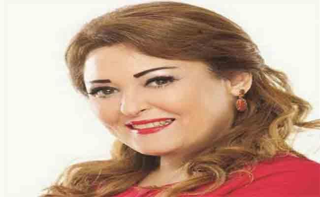 نهال عنبر تشارك في مسرحية