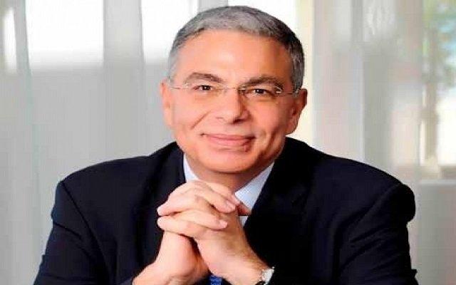 وزير لبناني يؤدب أسرة سعودية بمطار بيروت