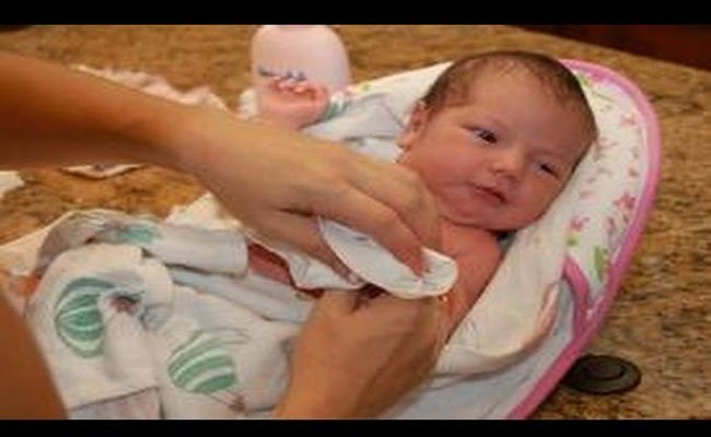 ماذا تشمل الفحوصات الطبية لحديثي الولادة؟