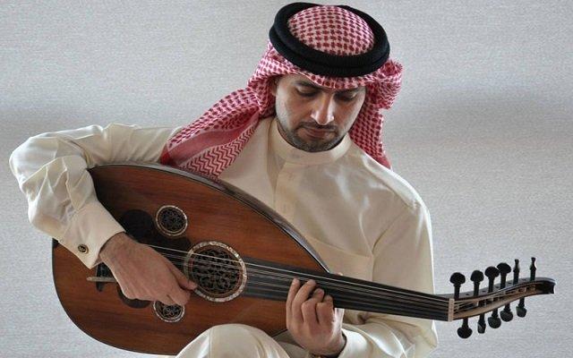 بسبب انه يعزف العود المحكمة ترفض زواجه من خطيبته
