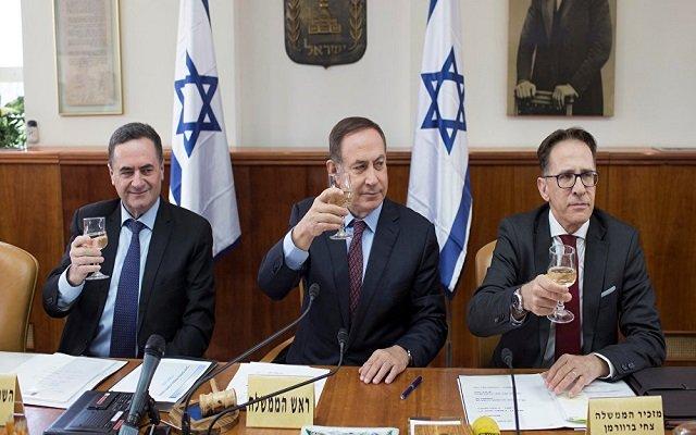 في يوم واحد إسرائيل في ثلاث دول عربية