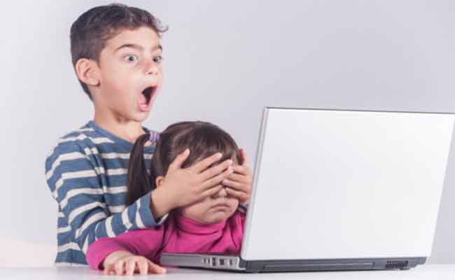 إحموا أطفالكم من خطر الإنترنت وآثار المحتويات الجنسية المضرّة