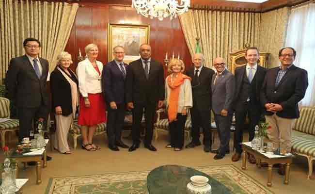 بدوي و برلمانيين كندا يأملان في تعزيز آليات التعاون بين وزارتي داخلية البلدين