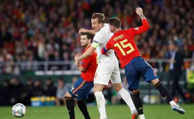 إنجلترا تسحق إسبانيا في أرضها