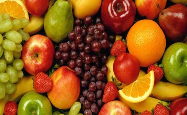 هل يضرّ تناول الكثير من الفواكه بالصحة؟