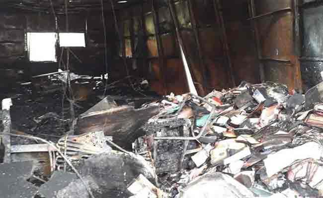 نشوب حريق مهول بقاعدة حياة تابعة لشركة الخطوط الجزائرية بحاسي مسعود