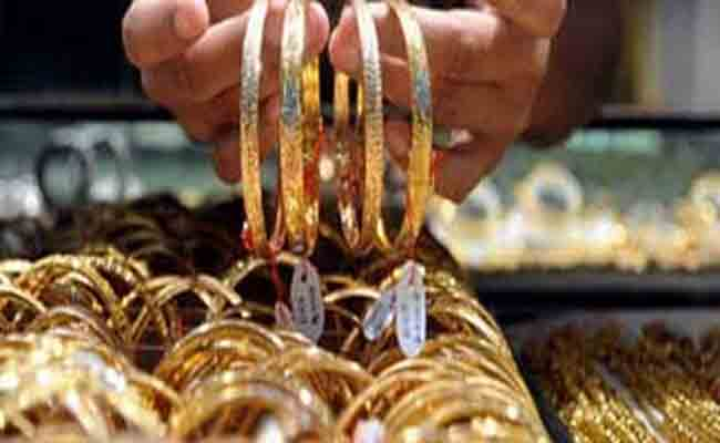 الإطاحة بشبكة مختصة في سرقة  الحلي والمجوهرات من النساء بغرداية