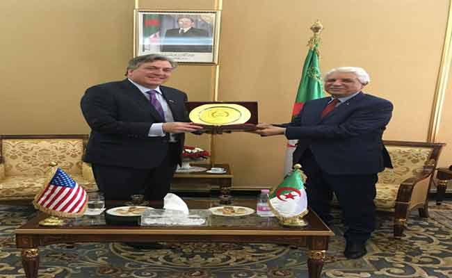 لقاء بين لوح و السفير الأمريكي بالجزائر لتقييم التعاون  القانوني والقضائي بين البلدين
