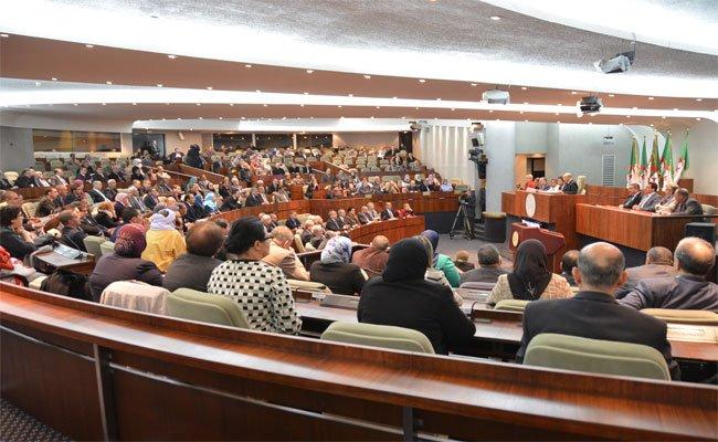 5 مجموعات برلمانية تجمد كل نشاطات المجلس الشعبي إلى حين استقالة بوحجة