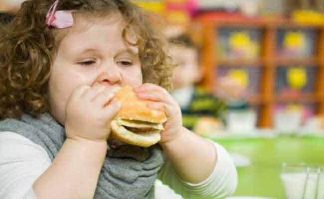 لماذا يمكن ان يزداد وزن الاطفال سريعاً؟