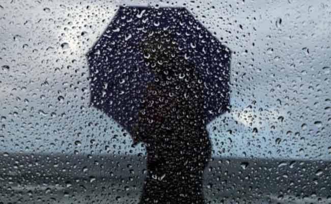 التحذير من تساقط أمطار غزيرة على 11 ولاية شرق و وسط البلاد