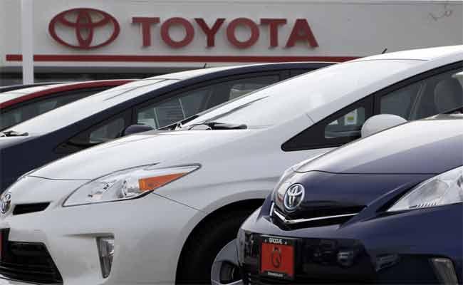 تويوتا تقوم باستدعاء 2.4 مليون سيارة هيبريد حول العالم