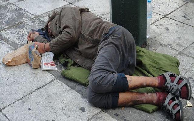 إرحموا من في الأرض يرحمكم من في السماء يا أيها الجزائريون إخواننا يموتون من شدة البرد والجوع