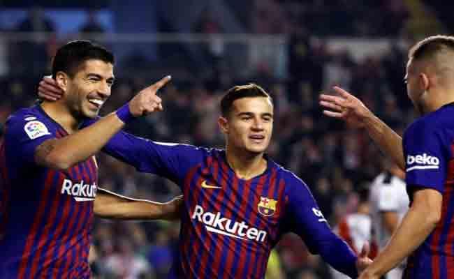 برشلونة يبحث عن مدافع جديد