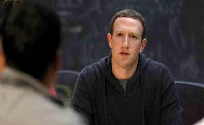 رئيس فيسبوك يدعو موظفيه إلى استخدام أندرويد بدلا من iOS بسبب تصريح رئيس أبل