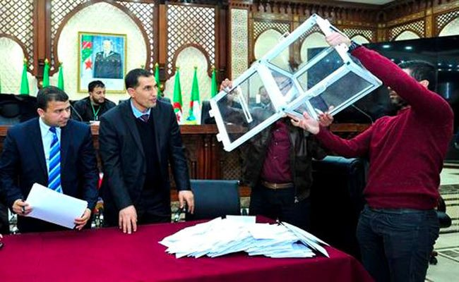 جبهة التحرير الوطني تكتسح انتخابات التجديد النصفي لمجلس الأمة