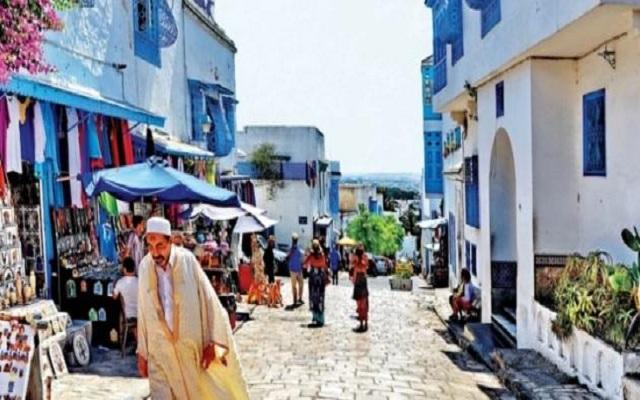 تونس ترتفع إيراداتها من السياحة بنسبة 45%