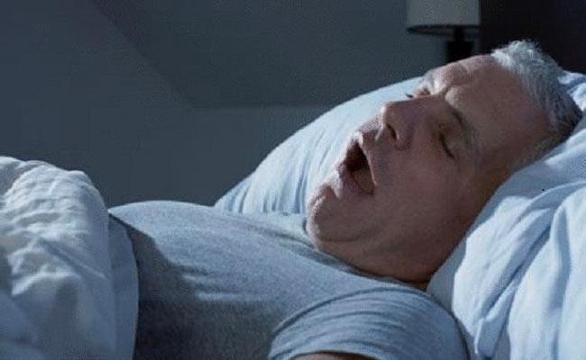 الرعشات خلال النوم... حالة طبيعية أو مرضية؟