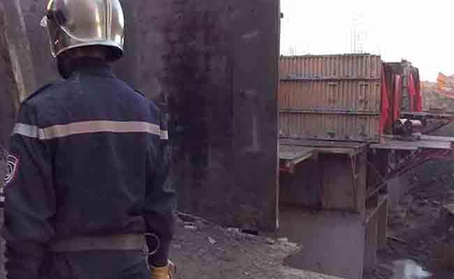 انهيار بناية طور الانجاز يخلف 3 قتلى و جريحين بالدويرة
