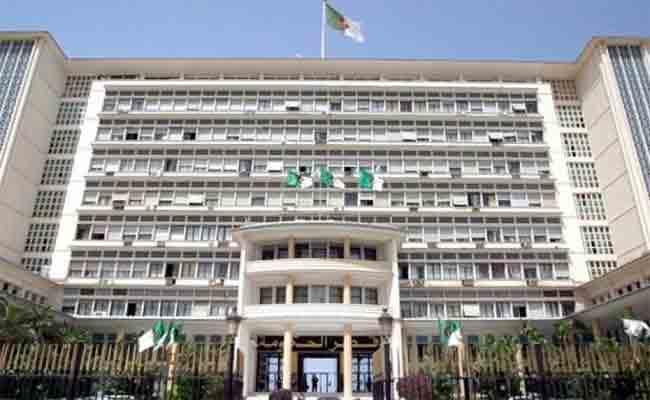 صدور مرسوم تنفيذي يحدد و يحين صلاحيات وزير الداخلية