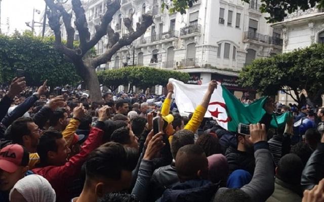 المظاهرات ضد العهدة الخامسة أصبحت بين البيع والشراء والركوب والتخوين