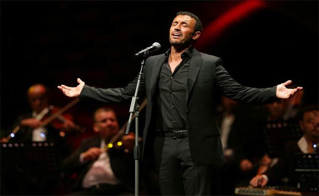 كاظم الساهر يغني للمرأة من أشعار حاكم دبي