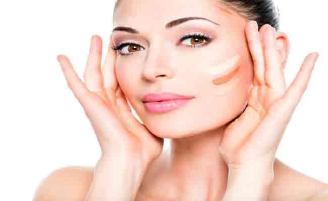 6 خطوات اساسية تحمي بشرتك خلال فترة الدورة الشهرية!