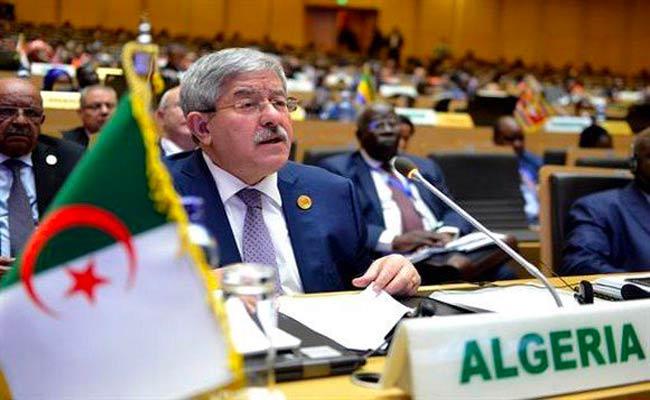 عرض أويحيى لتقرير رئيس الجمهورية حول مكافحة الارهاب و التطرف العنيف