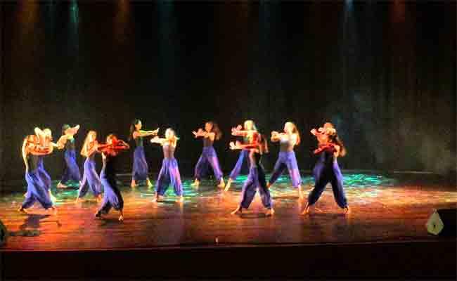 مهرجان الرقص المعاصر ينطلق بسيدي بلعباس بمشاركة 12 فرقة وطنية