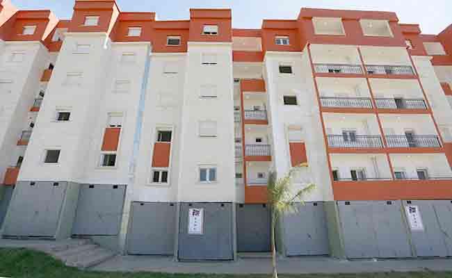 تسليم 500 سكن إجتماعي و200 مقرر إستفادة سكن ريفي في البويرة