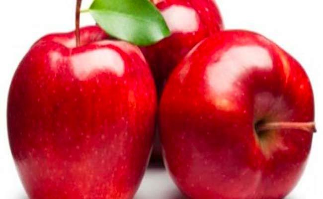 هذا ما يحصل للجسم عند تناول التفاح على الريق