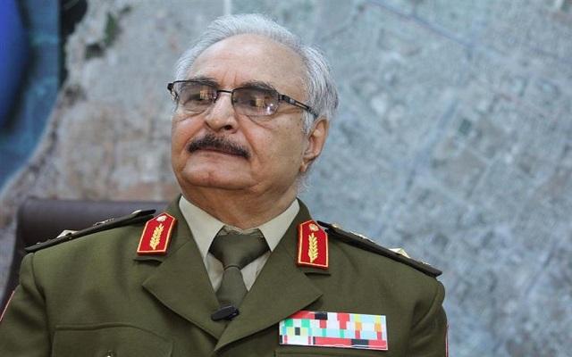 القائد العسكري خليفة حفتر يريد الزحف نحو طرابلس