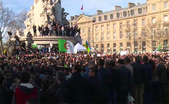 خروج المئات من الجالية الجزائرية بفرنسا في مسيرات داعمة للحراك الشعبي