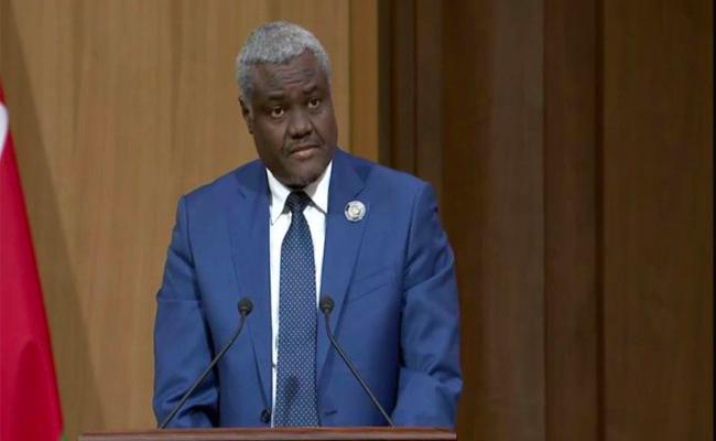 رئيس مفوضية الاتحاد الإفريقي يدعو إلى حوار وطني لتحقيق الإصلاحات في الجزائر