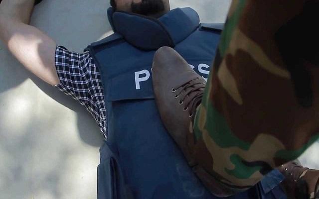 الملك القايد صالح يهدد الصحفيين بالحبس إذا انتقدوه