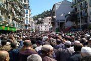 الجنازة مليونية لشيخ المجاهد عباس مدني ترعب نظام الجنرالات وترسل رسائل قوية لمن يهمه الأمر