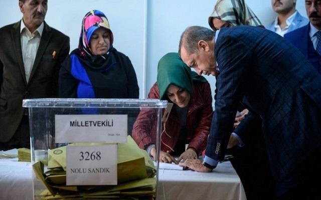 حزب العدالة والتنمية يشكك في صناديق الاقتراع