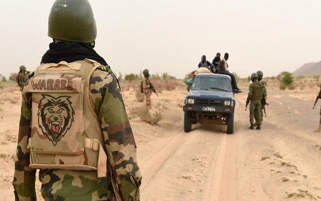مقتل 10 جنود في هجوم لمتطرفين بمالي قرب الحدود مع موريتانيا